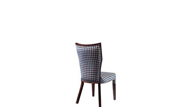 Modern Escape Ahşap Sandalye modelimiz şık tasarımı ve desenli kumaşı ile sofralarınıza şıklık katmaya Lucca Luxury ile geliyor