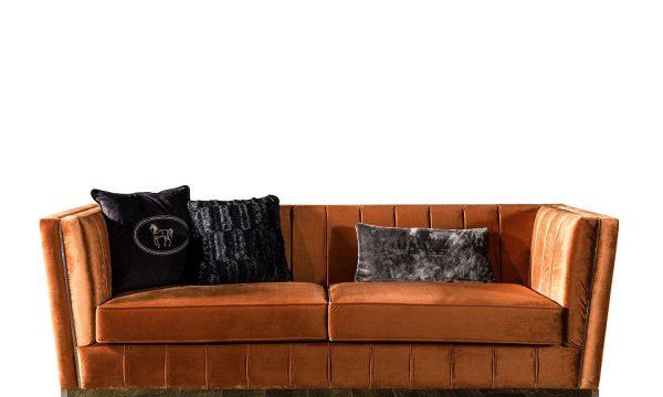 Lüks Gloria üçlü koltuk modelimiz bakır rengi kumaş döşemesi ve kaliteli iskelet yapısıyla Lüksün adresi Lucca Luxury'de sizi bekliyor.