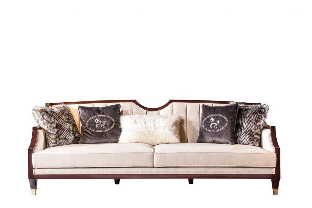 Lüks Klasik Miami üçlü koltuk modelimiz beyaz döşeme kumaşı ve kaliteli iskelet yapısıyla evinizin yıldızı olmaya aday, Lucca Luxury'de