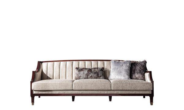 Klasik ve Lüksü bir arada sunan Paradise üçlü koltuk modelimiz tasarım şıklığı ve detaylarıyla Lucca Luxury'de sizi bekliyor.
