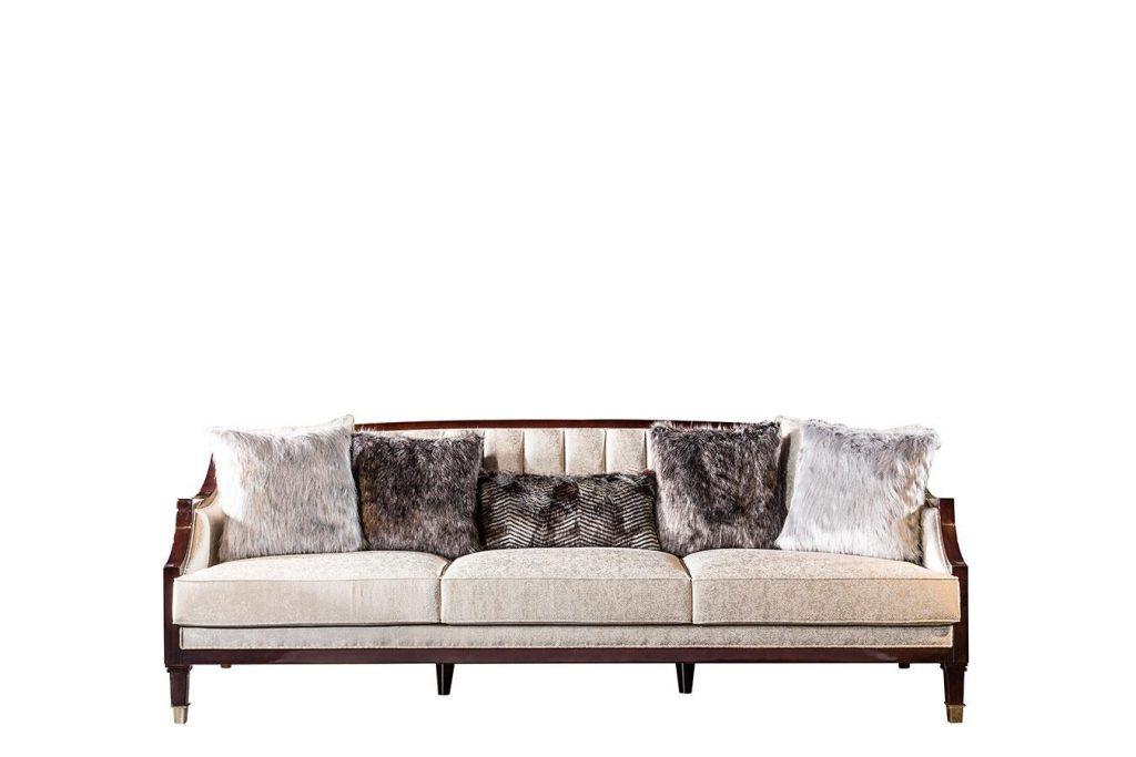 Lüks klasik Tomford üçlü koltuk modelimiz evinizin yıldızı olmaya Lucca ile geliyor