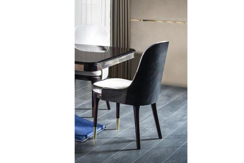 Modern Venezia Sandalya modelimiz ahşap gold metal ayak tasarımı ve şık duruşu ile sofralarınızın vazgeçilmezi olmaya Lucca ile geliyor